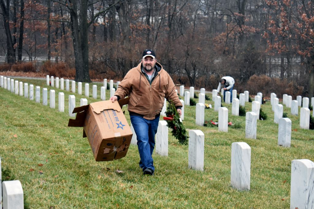 utility-trailer-manufacturing-co-to-sponsor-wreaths-across-america